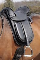 Barefoot 'London' Treeless Saddle
